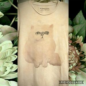 Beige/Cream Loose-fitting Kitten T-shirt